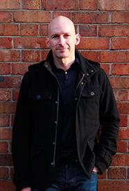Andy Jones - Autor