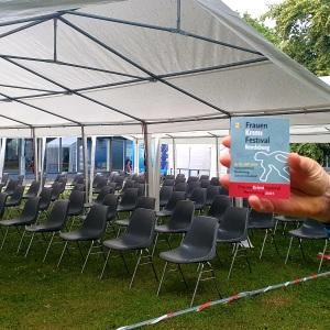 Zelt bietet 75 Sitzplätze